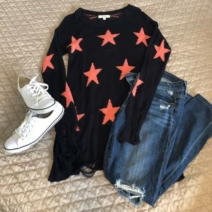 Umgee distressed star sweater
